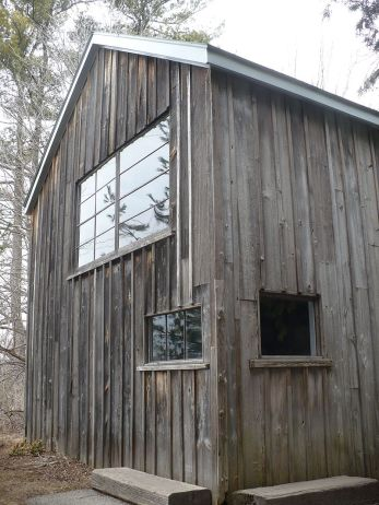 800px-tom_thomson_cabin_at_mcmichael